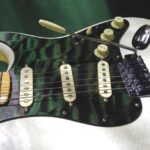 green quilt maple pickguard white strat