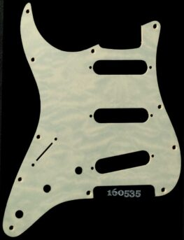 ghost quilt strat maple pickguard 535