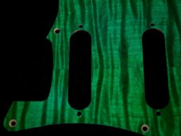 green_figured_strat_203c